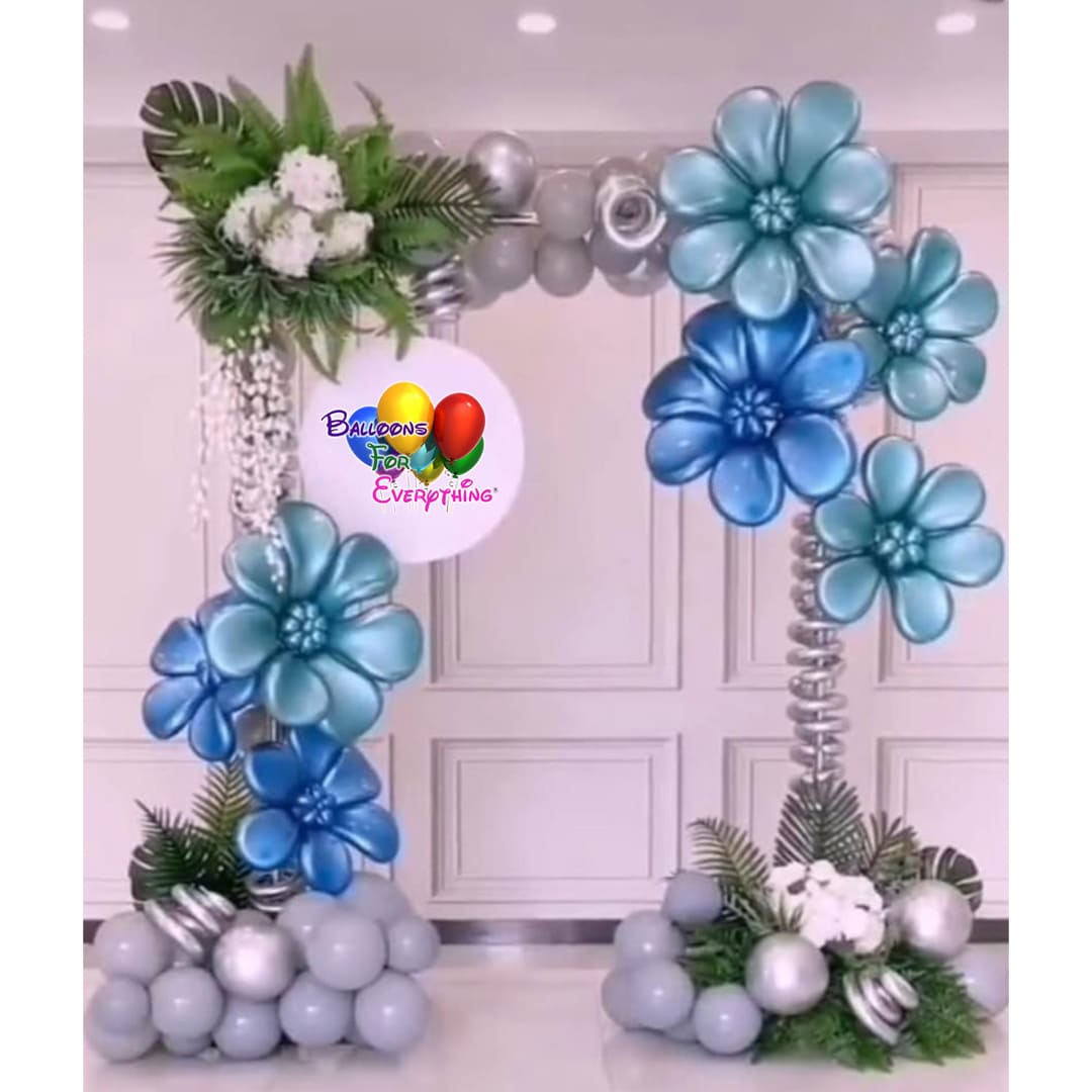 Flower Photo Op Balloon Arch