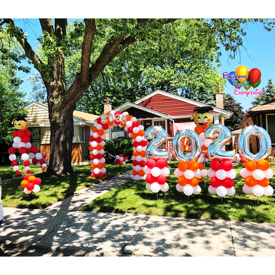 Yard Graduation Balloon Decor